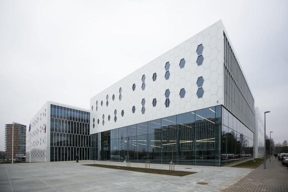 nacionalinis-fiziniu-ir-technologijos-mokslu-centras-56d807fbaddd5-ts1567583778